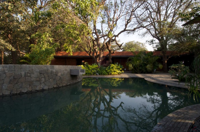 Image of: Awesome-Pool-Ideas Rustic Home Design Called Brick Kiln House Design in Small Village Munavali, India