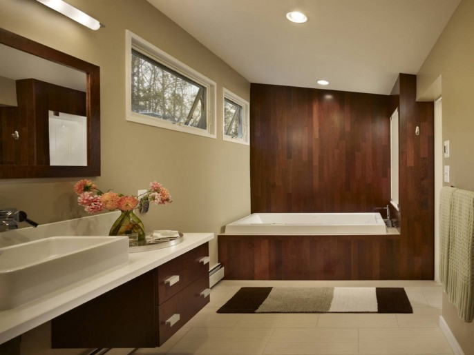 Image of: Bathroom-Design Modern House Renovation Mid Century in Conshohocken – Pennsylvania