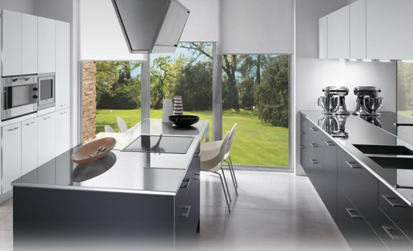 Image of: Italian Interior Kitchen Designs with Modern Originality and Style white theme