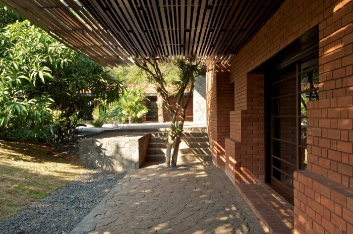 Image of: Rustic-Exterior Rustic Home Design Called Brick Kiln House Design in Small Village Munavali, India