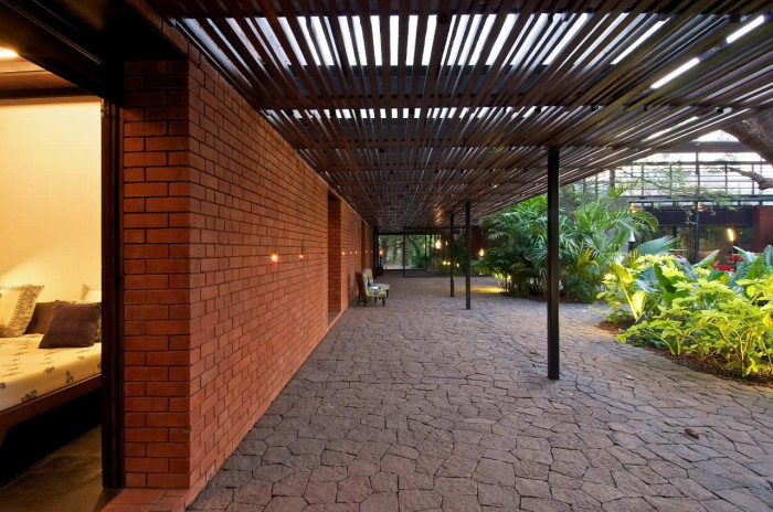 Image of: Terrace-Floor Rustic Home Design Called Brick Kiln House Design in Small Village Munavali, India