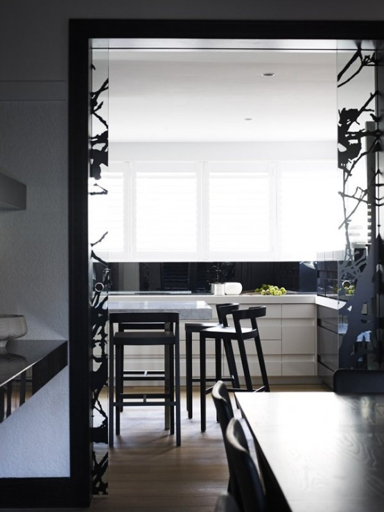 Image of: Black Interior Decoration with Dark Furniture too kitchen