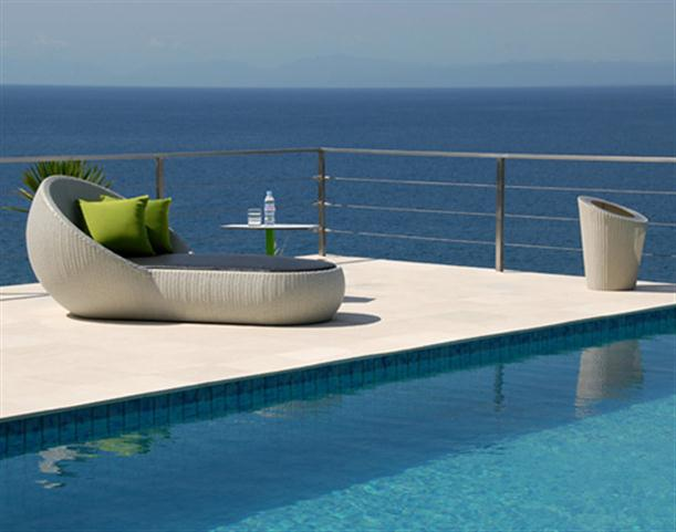 Image of: Poolside Chaise Lounge with Matching Coffee Table view 3