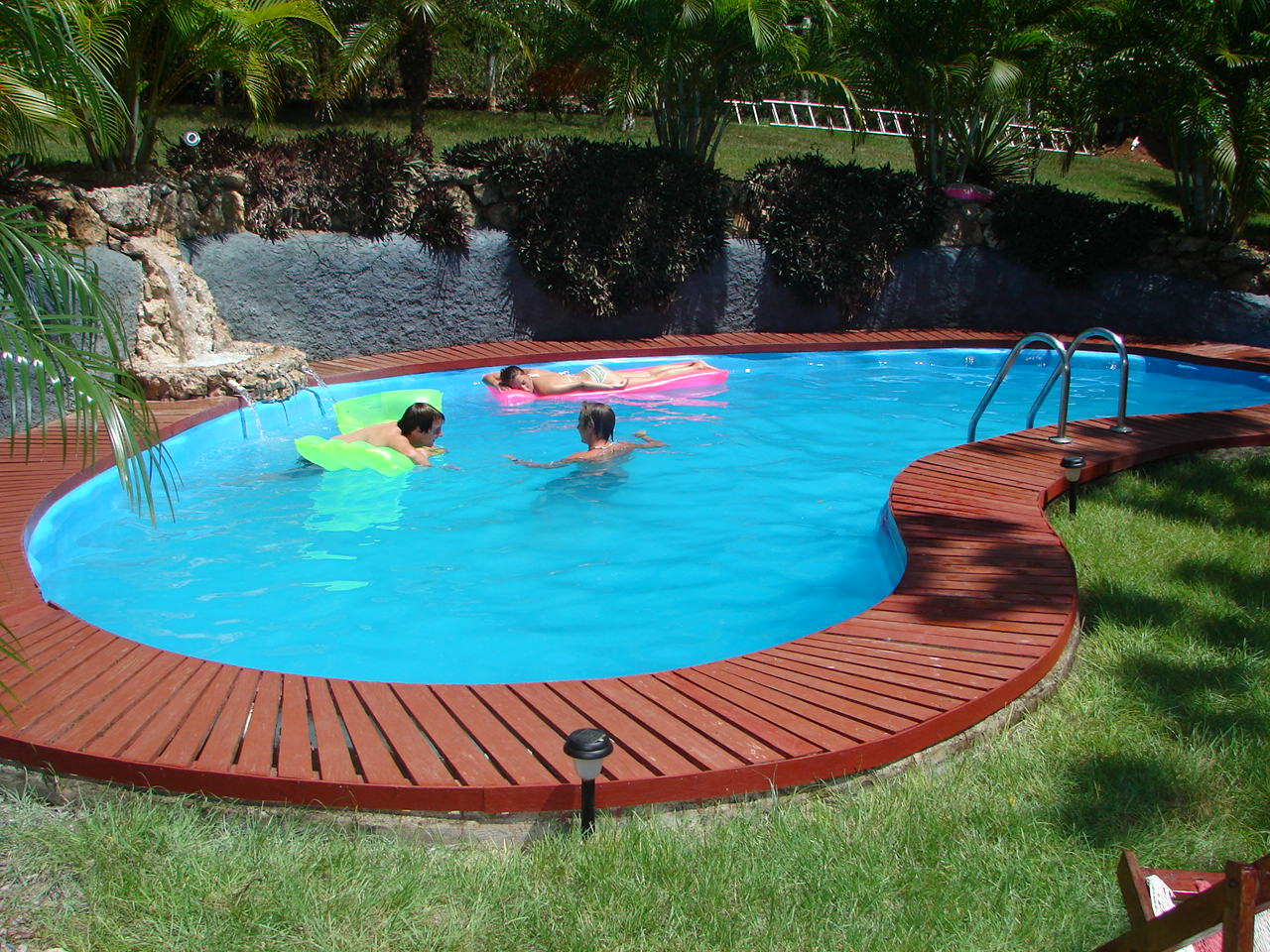 Image of: Small Swimming Pool Design for Ideas for You view 2