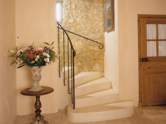 Image of: Traditional House Design in French with Classic Interior view classic stairs