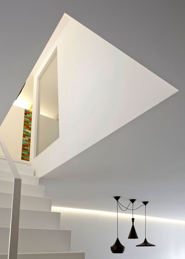 Image of: Apartment Interior Decoration with Bright and Modern Concept view stair