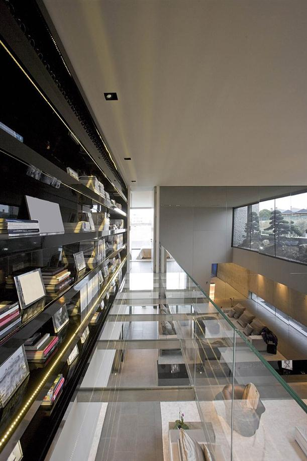 Image of: Architecture House Design called Open Box House in Madrid view Glass-Floor