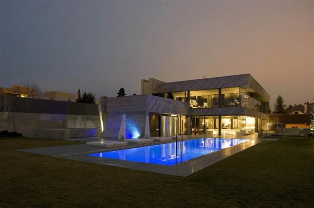 Image of: Architecture House Design called Open Box House in Madrid view Swimming-Pool