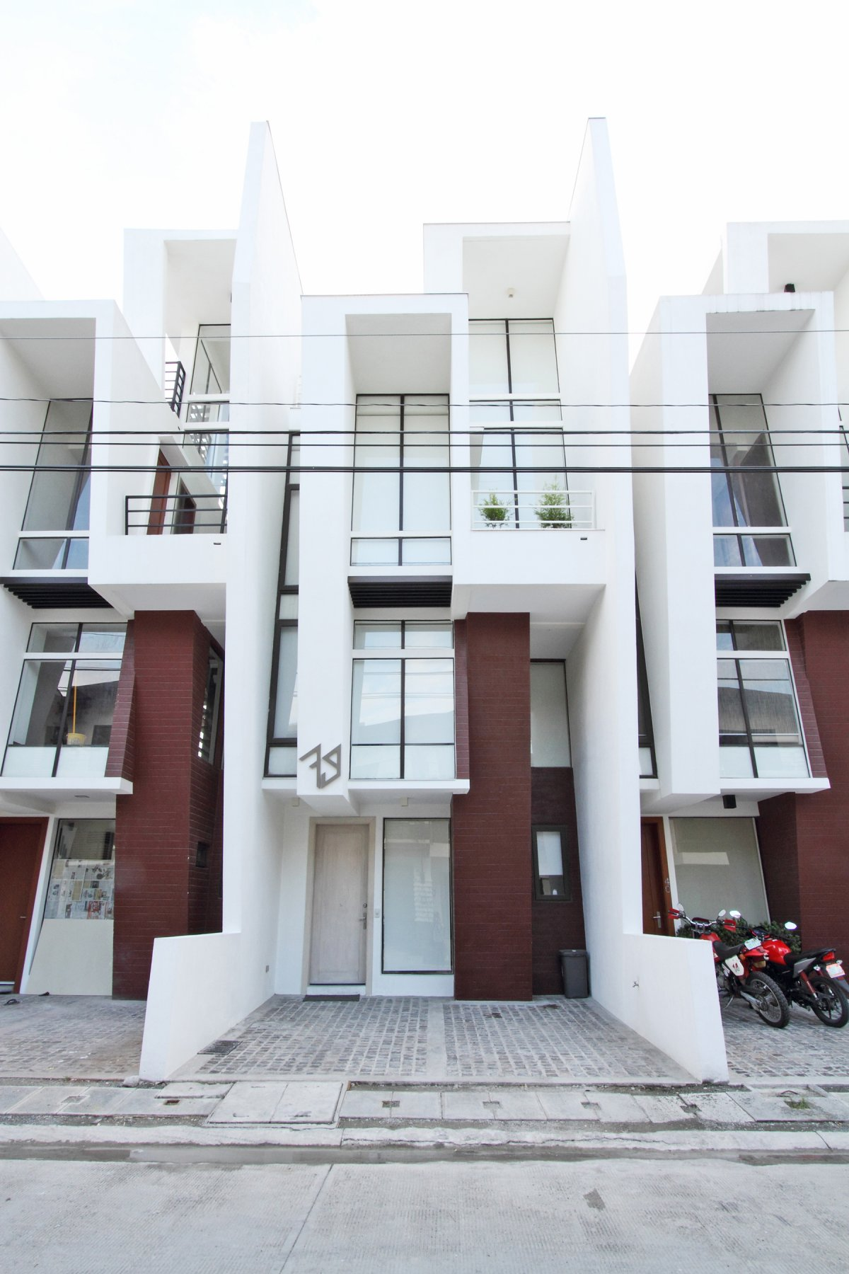 Image of: Modern Townhouse Design with Manila Based Archietctural view front
