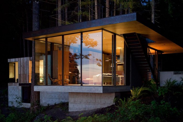 Image of: Amazing Small House Design Looks Comfortable in Washington State