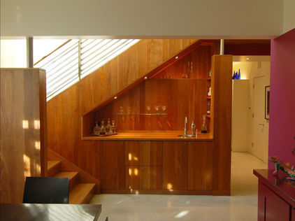 Image of: A Nice Bar under Stairs