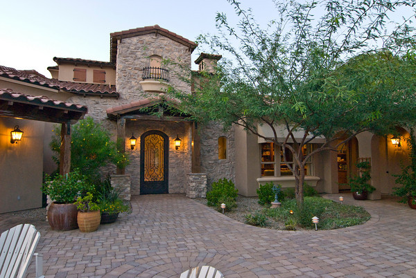Image of: Awesome Home in Tuscan Style