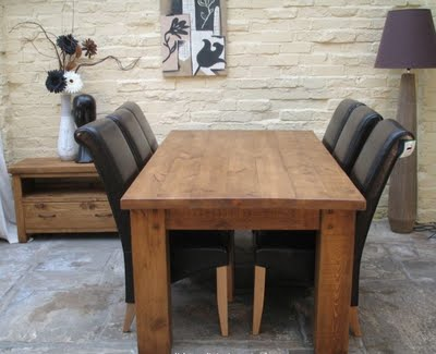 Image of: Awesome Rustic Dining Table