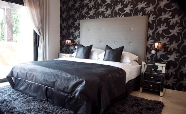 Image of: Black and Silver Master Bedroom