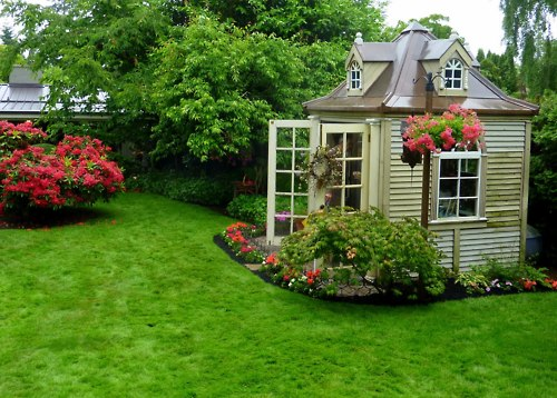 Image of: Chic Backyard Shed