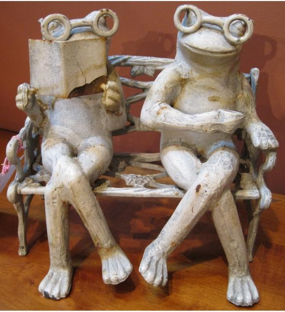Image of: Contemporary Frog Garden Ornament