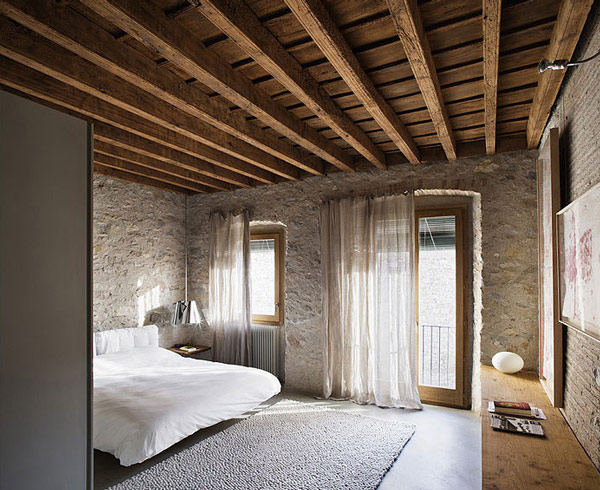 Image of: Contemporary Rustic Bedroom Interior Design