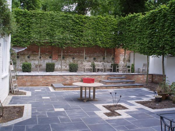 Image of: Courtyard Garden Design
