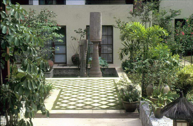 Image of: Courtyard Garden Ideas Photos