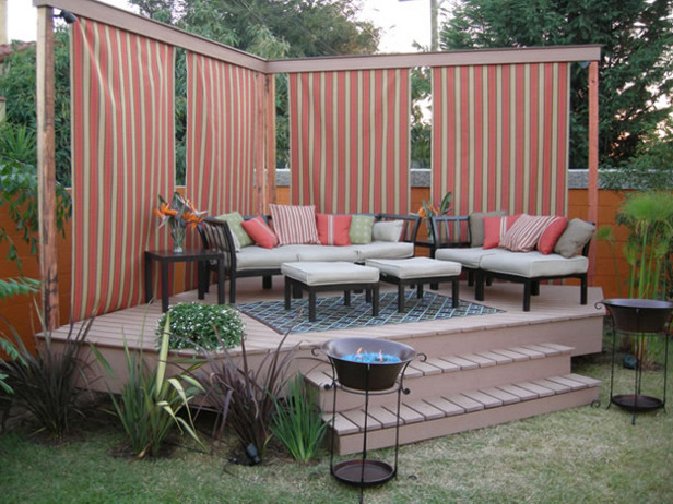 Image of: Deck with Private Screen
