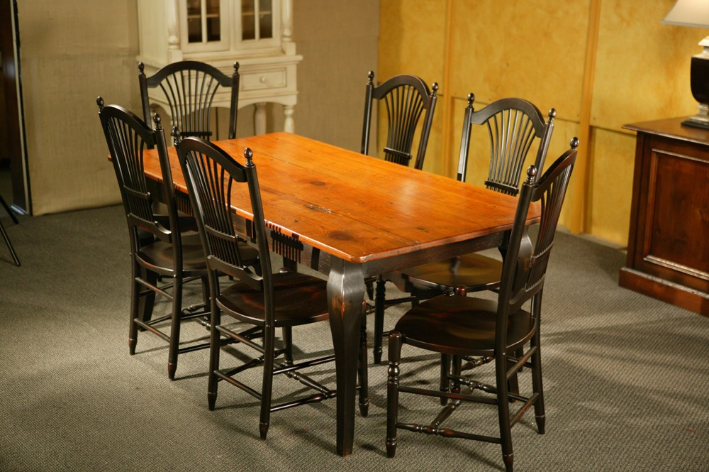Image of: Dining Table with Rustic Farm Style