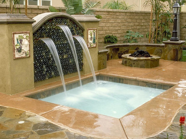 Image of: Dramatic Backyard Pool and Water Feature