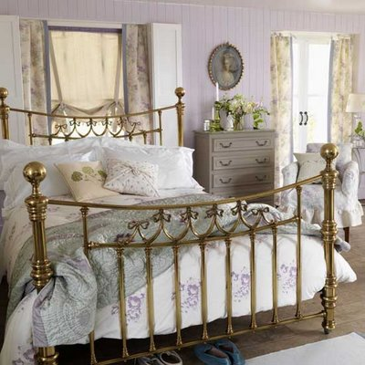Image of: French Classic Style Bedroom