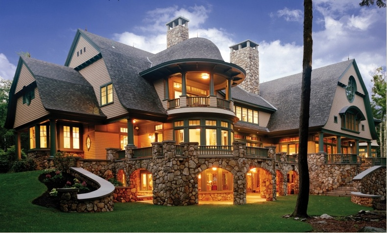 Luxurious Shingle Style House