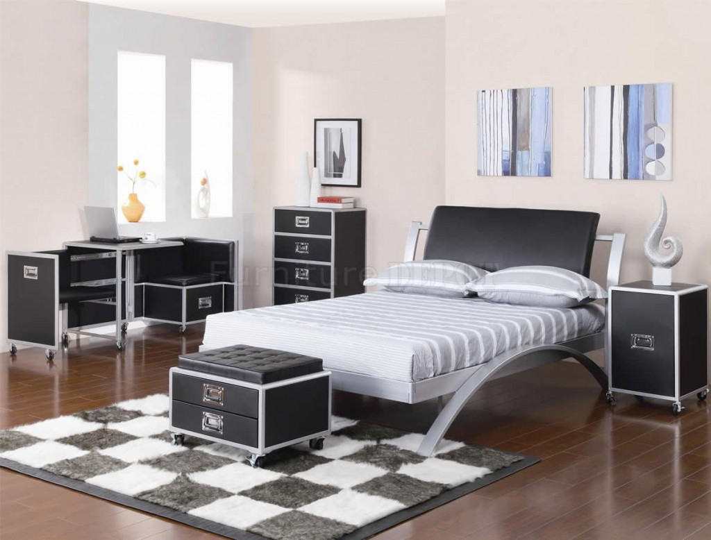 Image of: Modern Black and Silver Bedroom Ideas