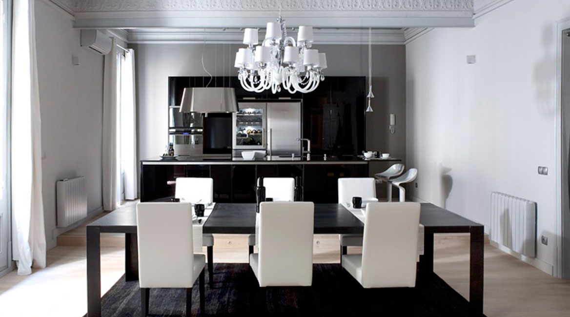 Image of: Modern Black and White Apartment Interior Design