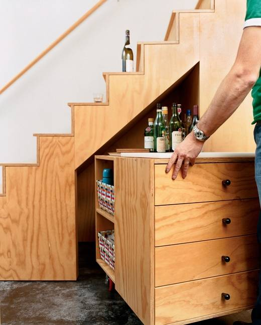 Image of: Moveable Bar under Stairs