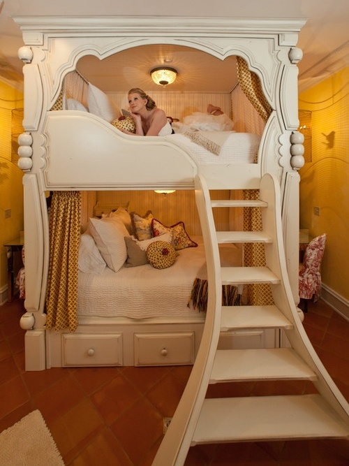 Image of: Princess Bunk Bed for Young Adult
