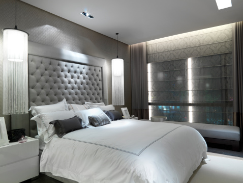 Image of: Silver and White Bedroom