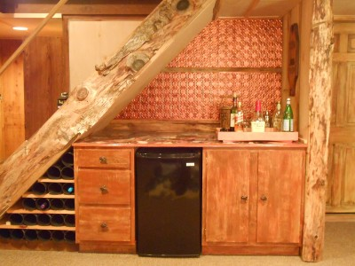 Image of: Staircase Mini Bar