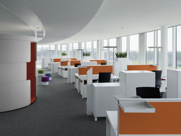 Image of: Temporary Partition in Modern Office Design