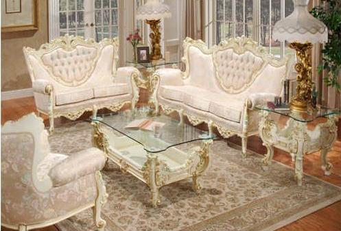 The Luxury of Victorian Style Living Room