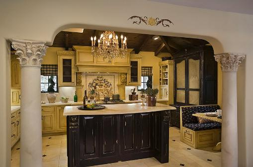 The Old World Design for Kitchen