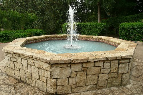 Image of: Traditional Garden Water Fountain