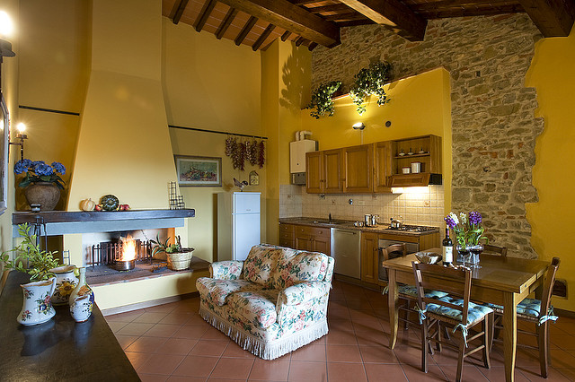 Image of: Typical Tuscan Living Room