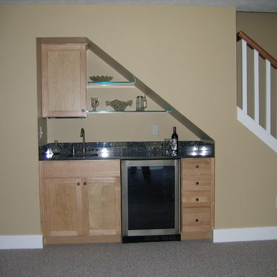 Image of: Under Stair Wet Bar