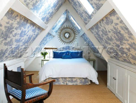 Image of: White and Blue Attic Bedroom