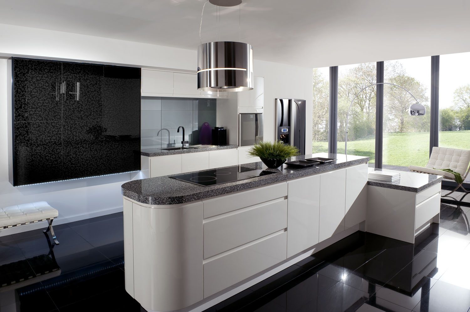 Image of: Black and White Kitchen Interior