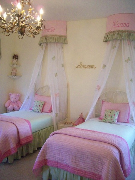 Image of: All Girl Twin Beds