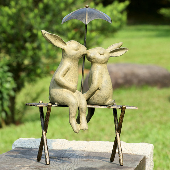 Image of: Kissing Bunny Garden Statue