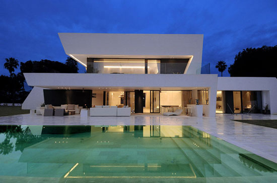 Image of: Modern House Design