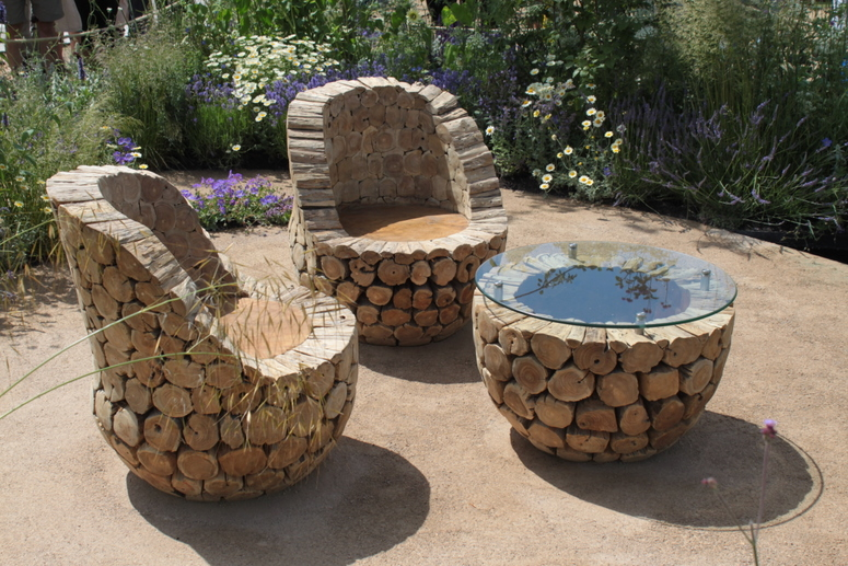 Beautiful Seating for Your Garden