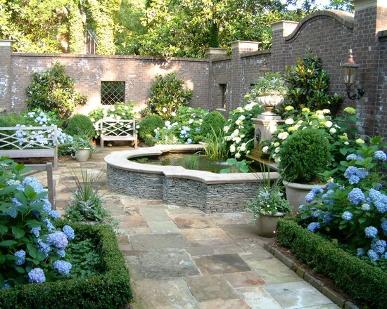 Image of: Luxuy Courtyard Garden Design
