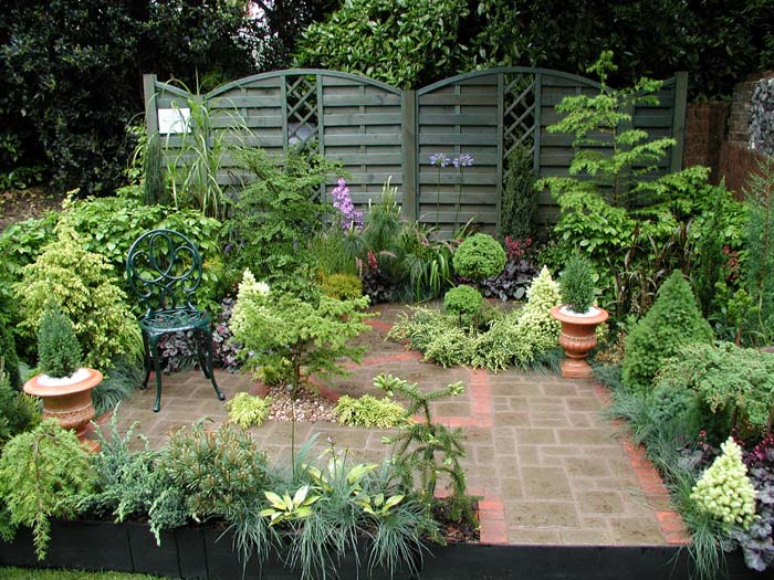Image of: Courtyard Garden Ideas Design