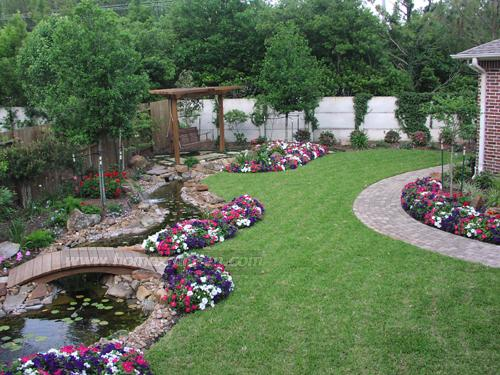 Image of: Creative Landscaping Ideas For Your Home Garden