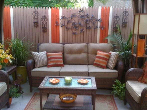 Image of: Deck Small Space Decorating Ideas